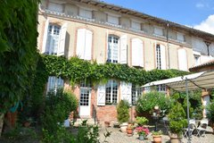 Garonne Valley manor house and gite for sale
